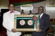 Malawis president tilldelas FAO:s främsta utmärkelse Agricolamedaljen