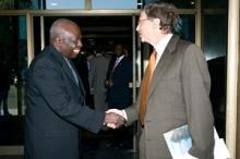 Bill Gates och Jacques Diouf: Fortsatt världshunger inget alternativ