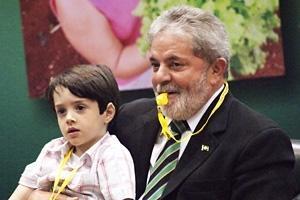 Brasiliens president Lula protesterar mot världshungern