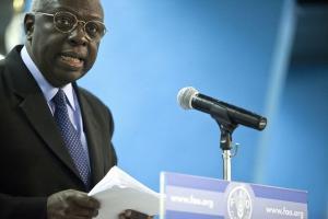 Diouf överlämnar ett reformerat FAO för 2000-talet