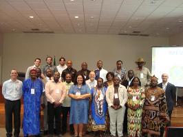 Les Partenaires du projet FAO/MNV à l'école du suivi des forêts tropicales