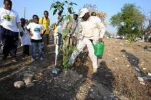 Diouf kicks-off spring planting season in Haiti