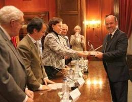 FAO receives top award for forest fire protection